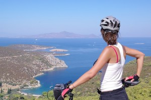 Hersonissos provide better aid for bikers with their new brochures