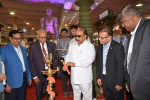 (C) Shri Roshan Baig, Minister for Urban Development, Government of Karnataka lighting the lamp at TTF Bengaluru 2018