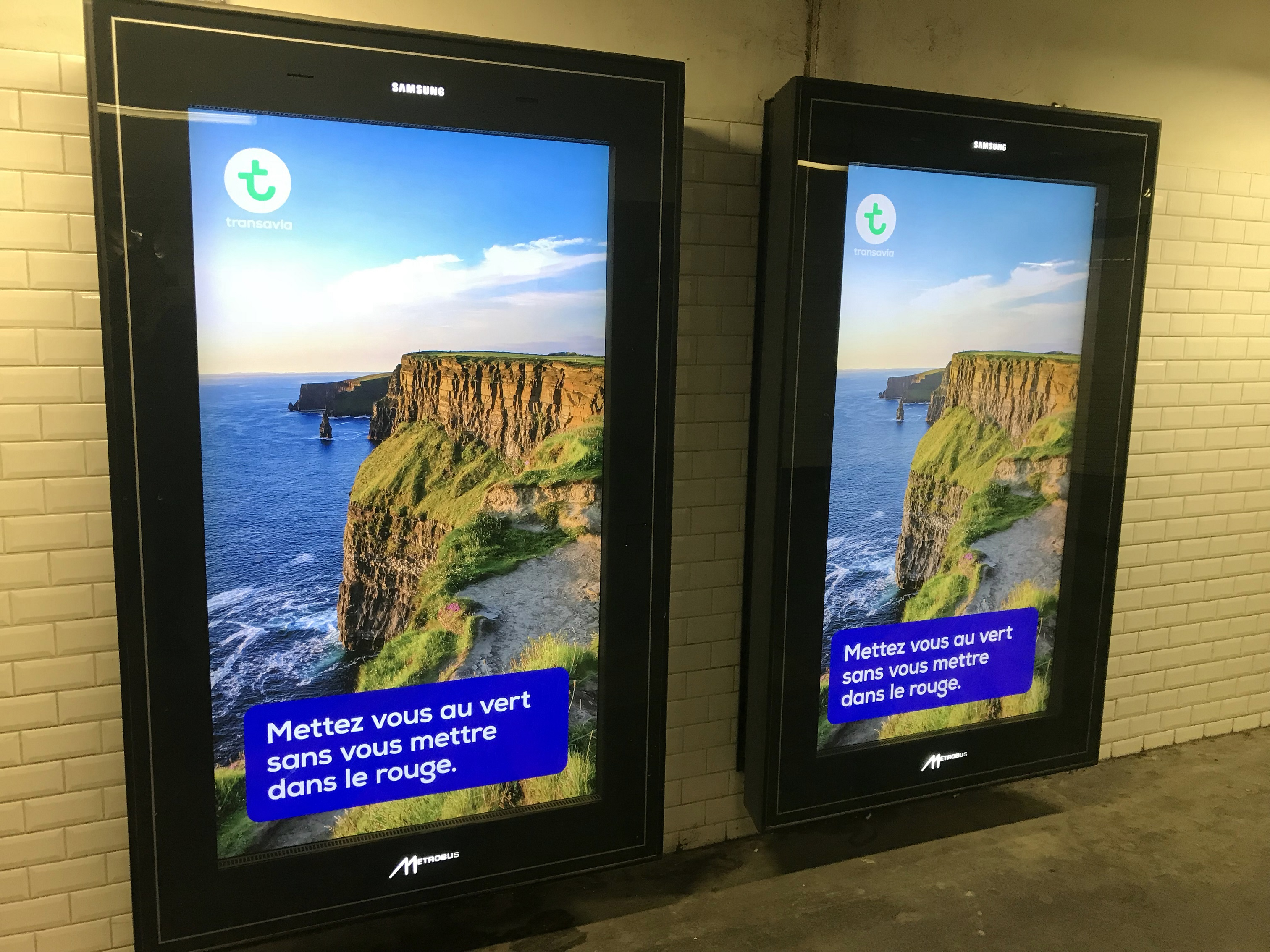 April 2018 – Millions of French commuters are seeing ads for Ireland as they pass through the busy metro stations of Paris this month. Tourism Ireland in Paris has teamed up with French airline Transavia (the low cost airline owned by the Air France-KLM group) to highlight holidays and short breaks in Ireland for 2018. The campaign with Transavia includes ads on almost 500 screens in metro stations around the French capital, highlighting great value fares to Dublin from Paris, which are grabbing the attention of commuters with a beautiful image of the Cliffs of Moher – and reminding them why they should put Ireland on their holiday wish-list for 2018.  VISUAL SHOWS: an ad running in Paris metro stations, highlighting great value fare to Ireland. Further media information - Sinead Grace, Tourism Ireland 087-685 9027