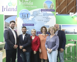 REPRO FREE 12/10/2018, Rimini, Italy – Ireland was promoted by Tourism Ireland to thousands of Italian travel professionals attending the annual TTG Incontri travel fair in Rimini. PIC SHOWS: David Cleary, EPIC The Irish Emigration Museum; Giuseppe Monteverde, Irlanda in Italiano; Elena Toniato, Galway 2020; Ilaria Bianchi, Aer Lingus; Niamh Kinsella, Tourism Ireland; Bridgette Brew, Galway 2020; and George Hook, Irish Rugby Tours, at TTG Incontri in Rimini. Pic – Tourism Ireland (no repro fee) Further press info – Sinéad Grace, Tourism Ireland 087-685 9027