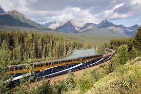 canadian_luxury_scenic_train